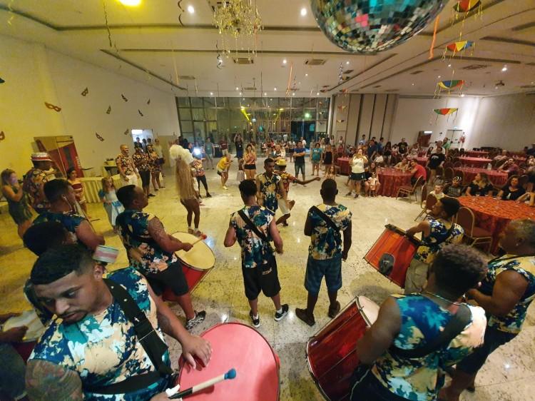 CARNA BC: Cerca de 3 mil pessoas curtiram o resort que trocou o Country pelo samba durante o Carnaval em 2020.